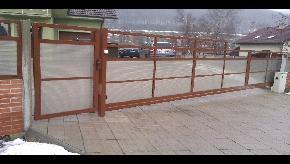 Brána samonosná, výplň lexan