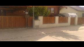 Brána posuvná na koľajnici, výplň drevo