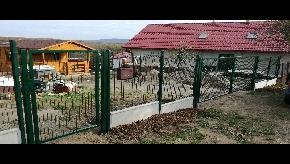 Brána s bránkou, zvárané panely